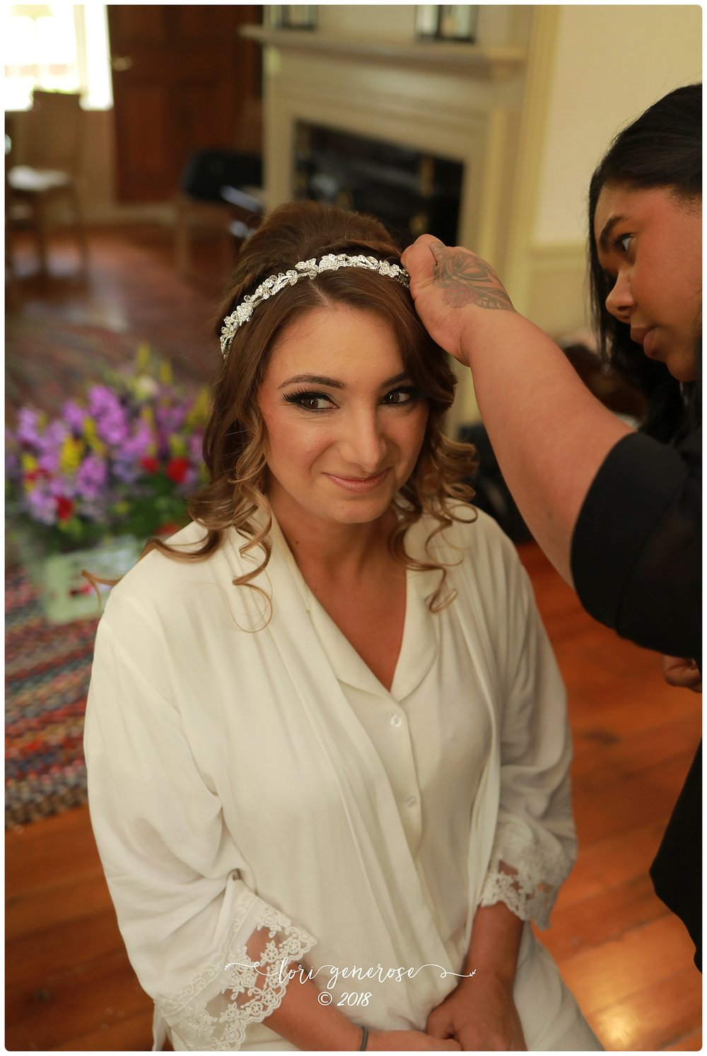lgphotographylorigeneroseweddingbridegettingreadyweddinghair.jpg