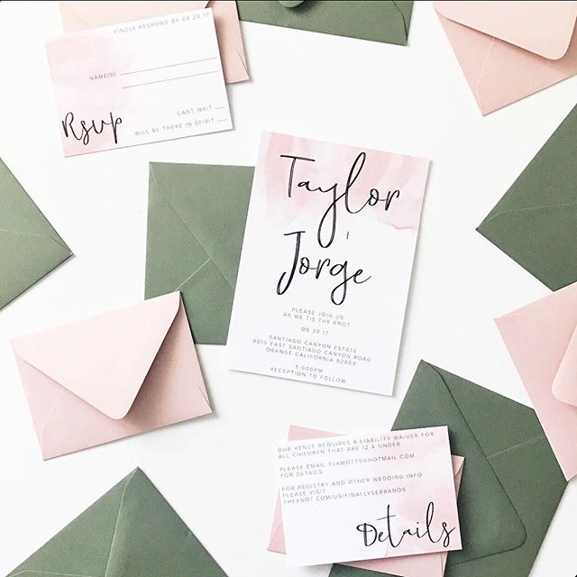 i'm becoming a sucker for that sage green, it's just too perfect👌🏼#invitationsuite #finallyserranos #tiannafriendcreative