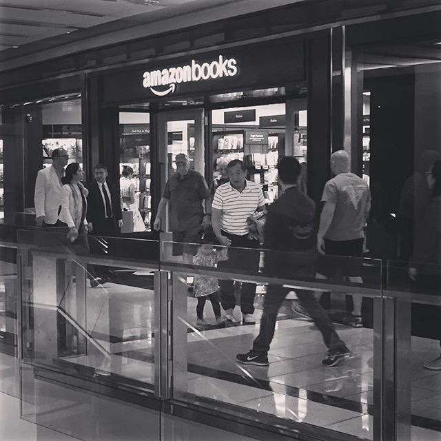 Had to check out the @amazonbooks brick and mortar store that just opened.  Relatively small selection with books facing out so their covers are visible. Beauty space and displays with lots of gadgets too.  And a crowd.  Pays to be a #Prime member to shop there, driving more users for the overall Amazon experience.