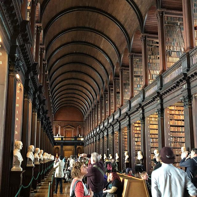 Trinity College the Long Hall. Amazing! Millions of very old books. Beautiful place. #ireland #trinitycollege #longhall #books #library