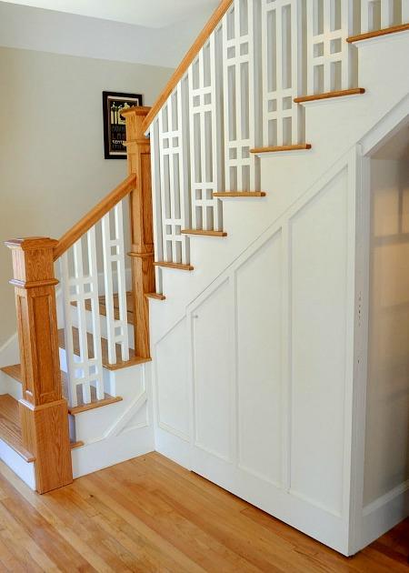 Craftsman-Bungalow-Staircase.jpg