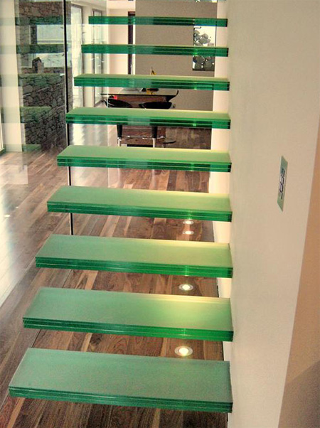 cantilever_glass_staircase22.jpg