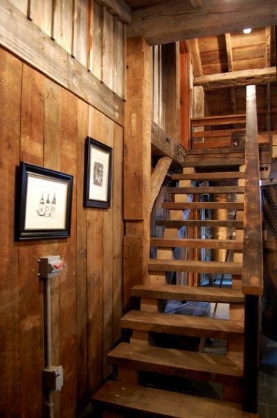 reclaimed_wood_stairs.jpg
