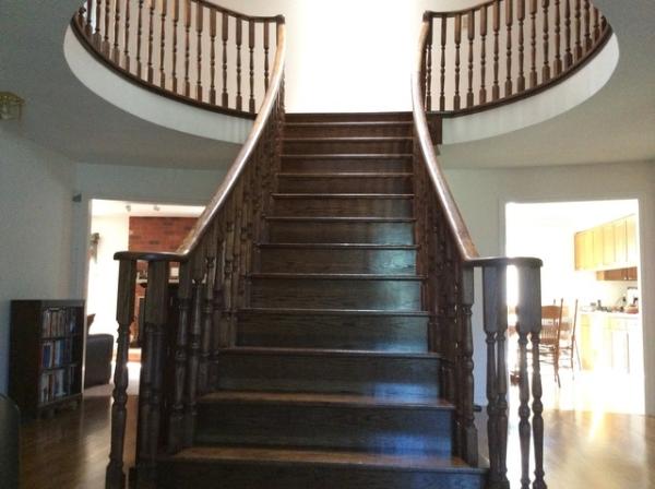 1._Scarlett_O_Hara_Stairs_medium.JPG