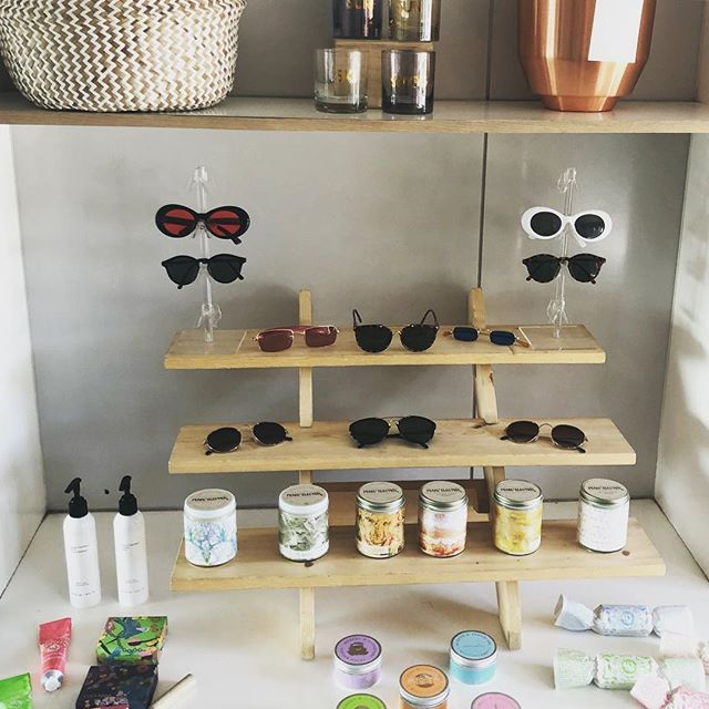 #findthebus in #SantaMonica today on Main St and pick up a pair of our popular #vintage #sunnies for only $40! We're at 2654 Main St from 10-4 today. . . . #fashiontruck #mobileretail #mobileboutique #retail #womensupportingwomen #womeninbusiness #entrepreneur #truckpreneur #beautifulbus #beautifulthingsla #btla #btlabus #summerstyle #sunglasses #vintagesunglasses #losangeles #samo #california #santamonicabeach #candles #apothecary