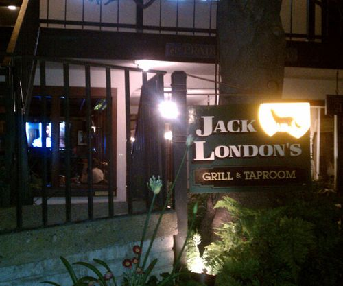 JACK LONDON'S INCOLN BETWEEN 5TH & 6TH (831) 624-2336 •  WEBSITE   Jack London's Neighborhood Pub + Grill is a local tradition for food and drink for over 30 years. Have dinner or an appetizer before or after The Show. Watch the game in comfort. Enjoy live music every Friday night.