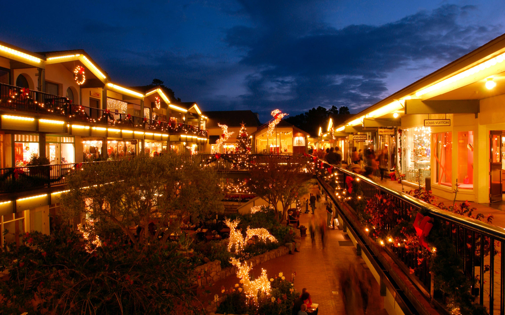 blog-01201411-w-americas-best-towns-for-the-holidays-9-carmel-by-the-sea-california.jpg