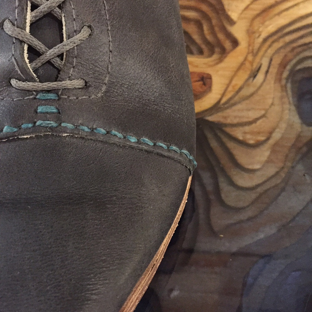 Detail of the Lady Boot in grey.