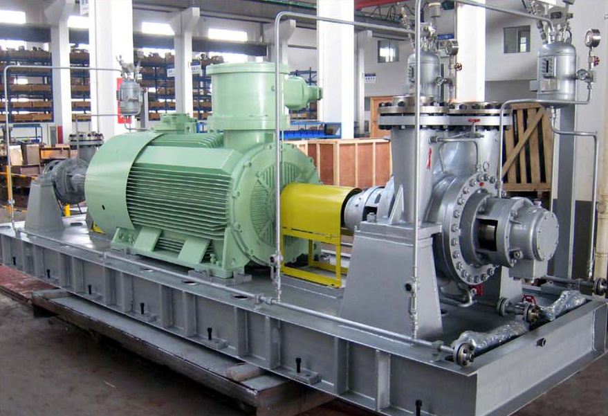 Process pump driven by hydraulic turbine and motor
