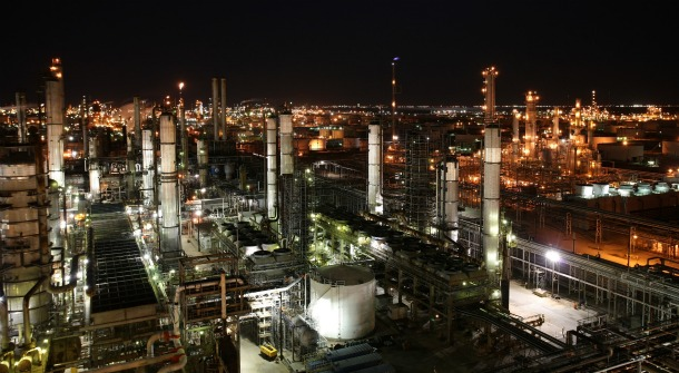 large_article_im2230_texas_city_refinery_at_night_2000x1333.jpg