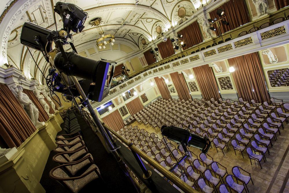 Narodni dom Maribor Velika dvorana foto Matej Kristoviü (2).jpg