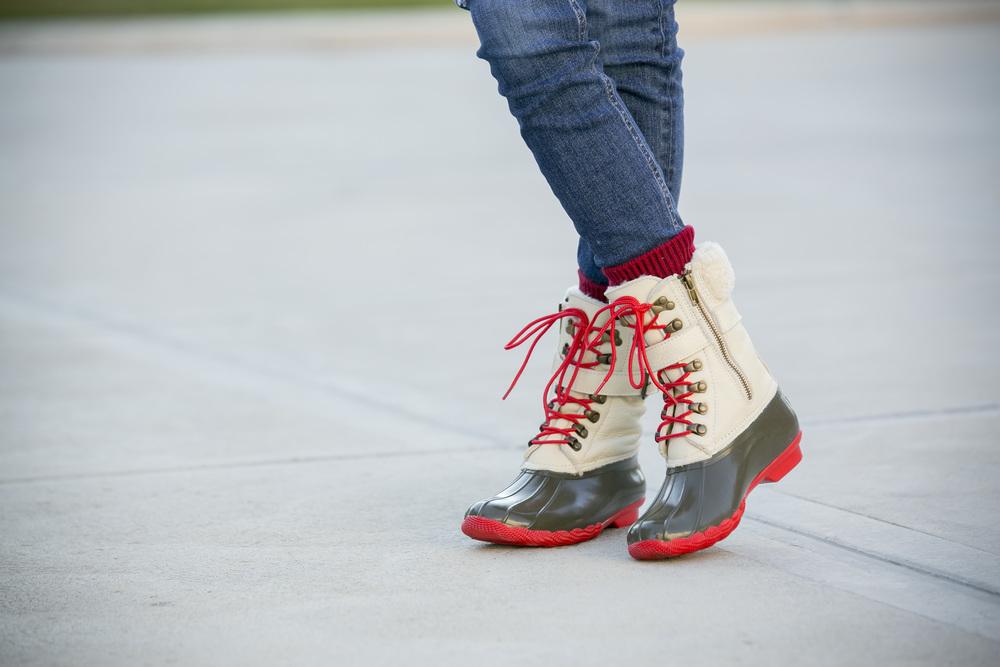 Denim: Rag&Bone | J.Crew  blazer ,  scarf ,  boots , vest |Turtleneck:Alice&Olivia    Dino Petrocelli Photography