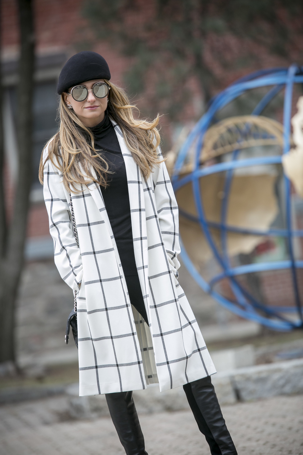 BB Dakota bronson jacket on blogger Lauren Recchia. Parisian chic.