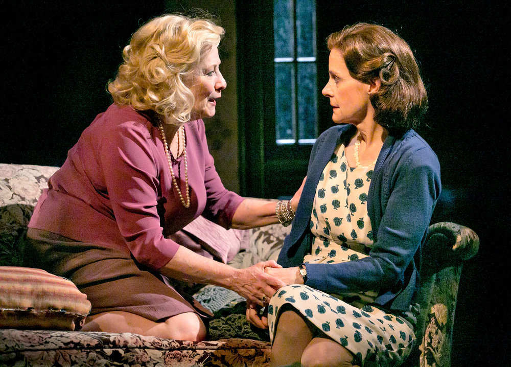 Betty Buckley (Gertrude Hayhurst Sylvester Ratliff) & Hallie Foote (Sibyl Borden) in The Old Friends.