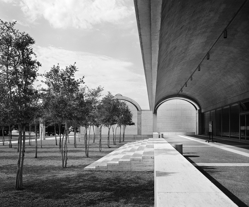 Kimbell Art Museum in Texas. © Utile via Architectuul.