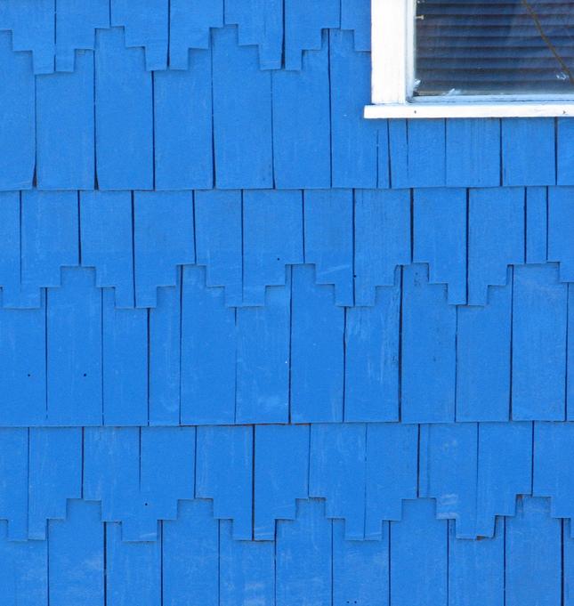 Blue handmade shingles in Chiloé.©Raul Antonio Alvarez.
