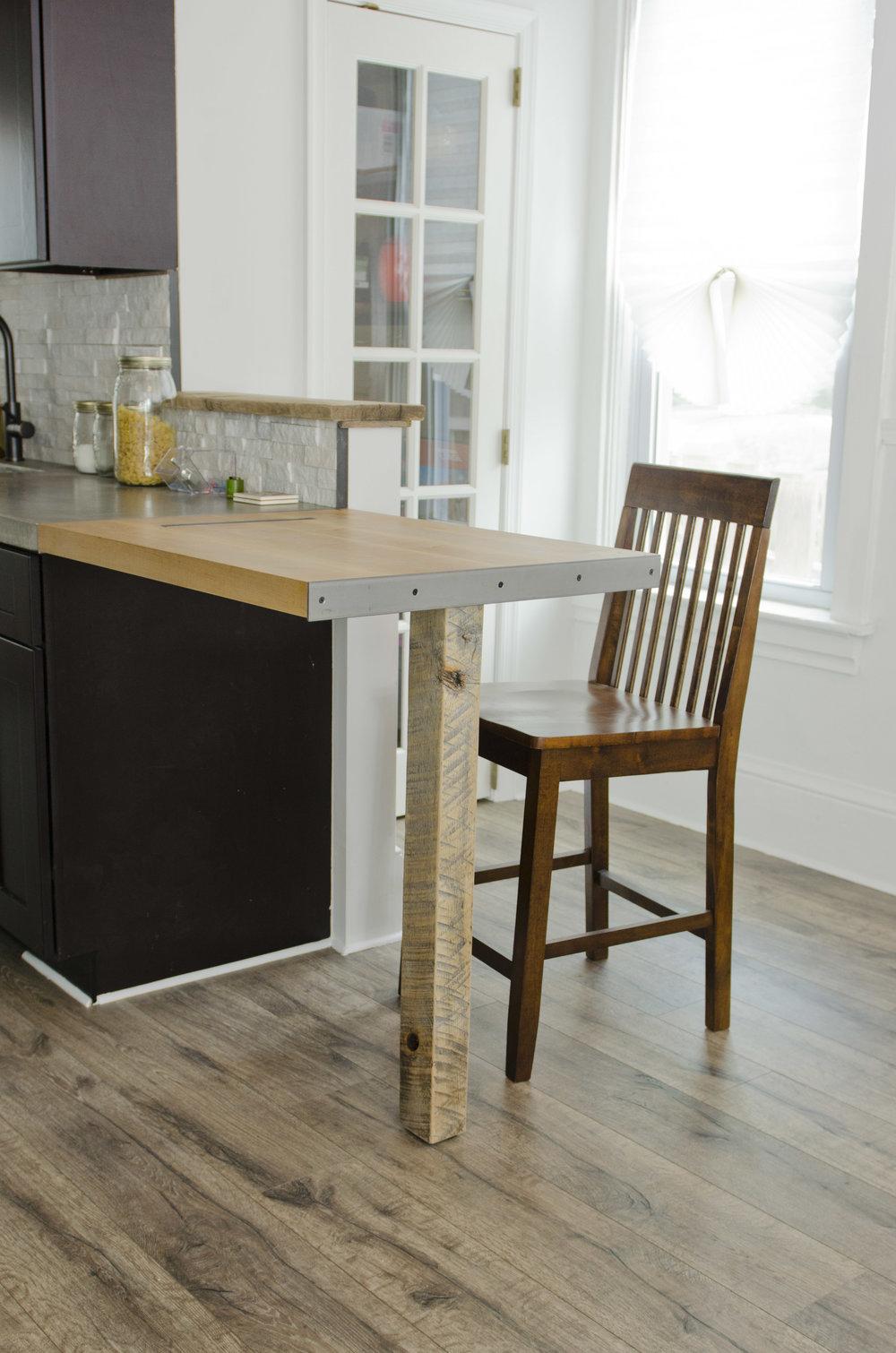 The Ellenton Kitchen    Click for project profile.