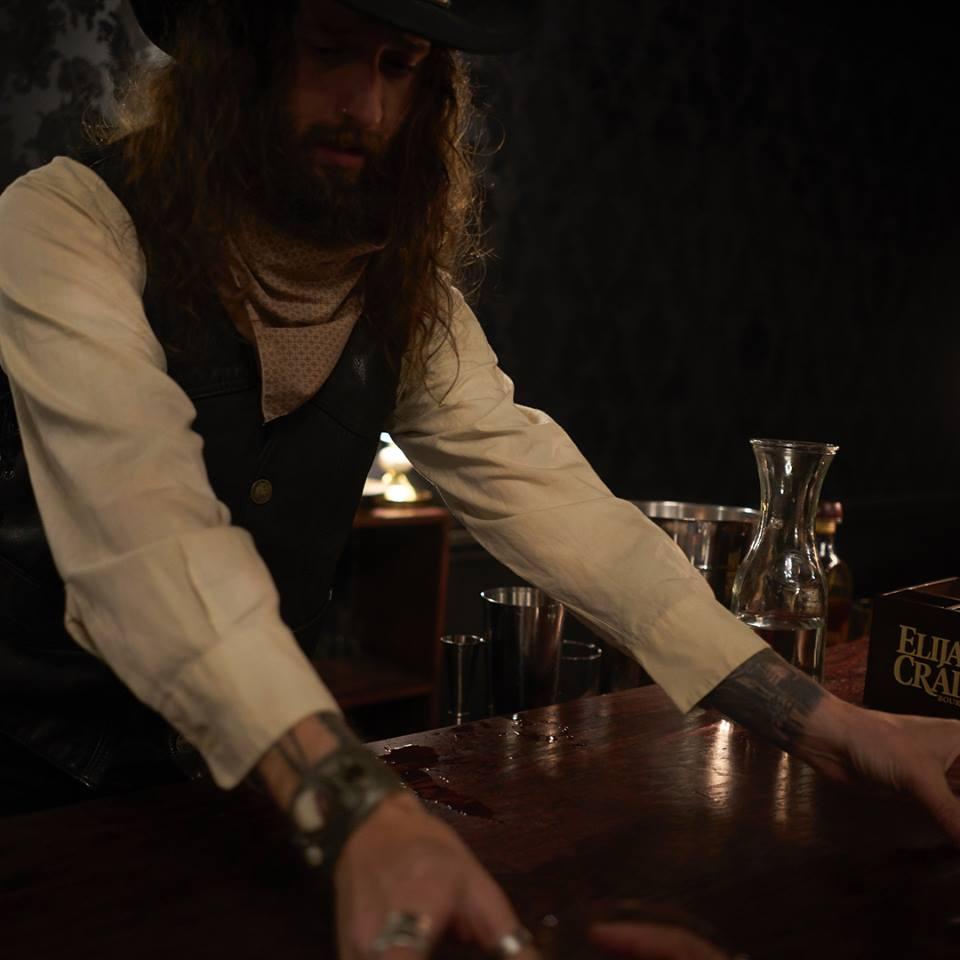 Drink Slinger Aryn Black - Westworld
