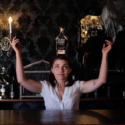 drink-slingers-austin-event-bartender-iffy-roma.jpg