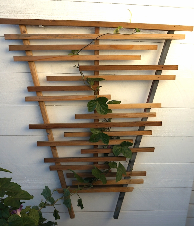 modern wooden trellis - reclaimed wood.JPG