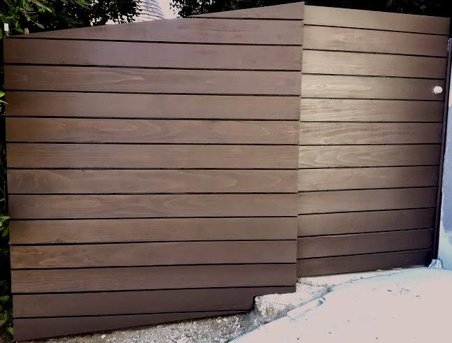 Hollywood+Hills+-+wood+gate.jpg