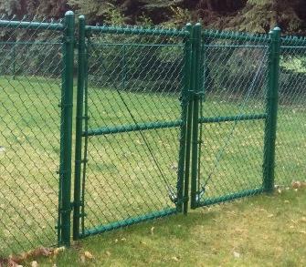 chain link gate - la.jpg