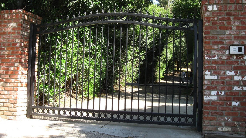 Iron+Driveway+Gate+-+Culver+City.JPG
