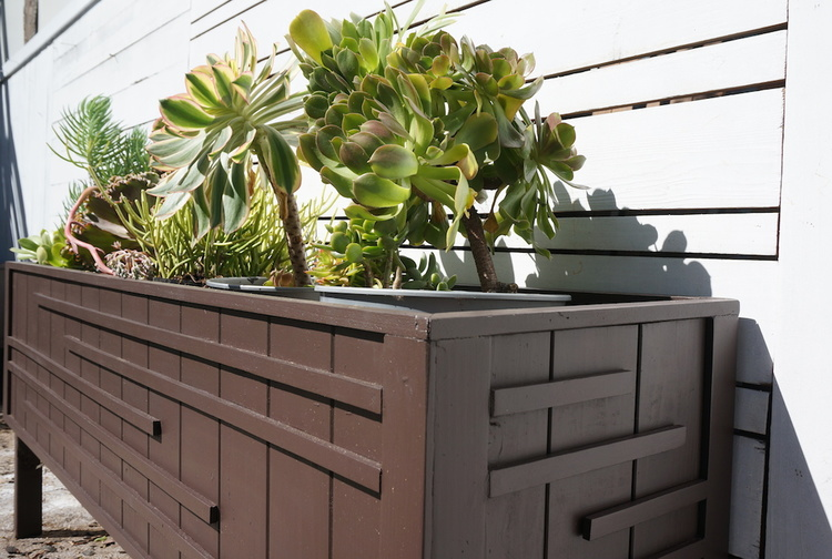 modern+planter+-+reclaimed+wood+los+angeles.JPG
