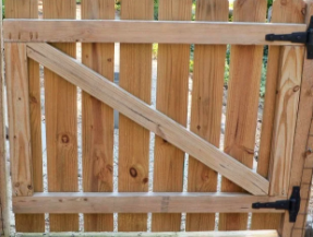 Wooden gate with angle brace - Venice, Ca.png
