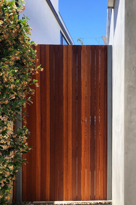 Ipe Gate - Steel Frame Venice Beach.jpg