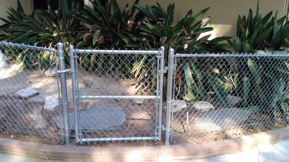 Chain link fence - Los Angeles.jpg