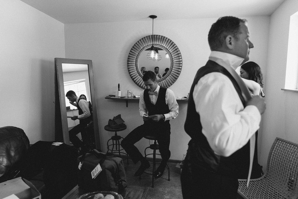BEST_CHICAG_WEDDING_PHOTOGRAPHER_ZOE_RAIN_-14.jpg