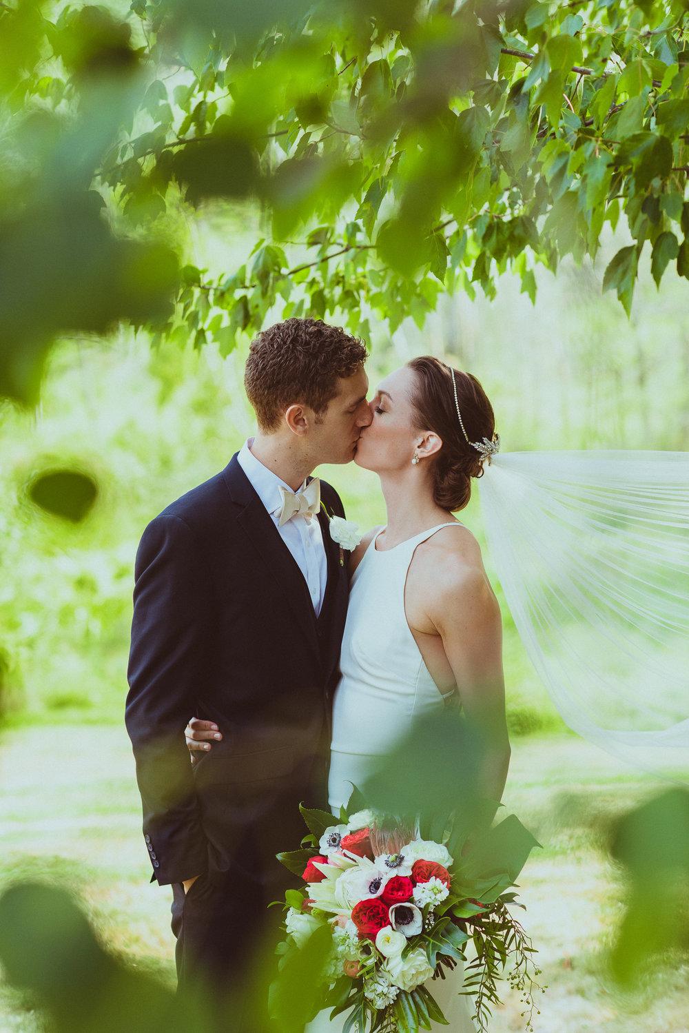 BEST_CHICAG_WEDDING_PHOTOGRAPHER_ZOE_RAIN_-42.jpg