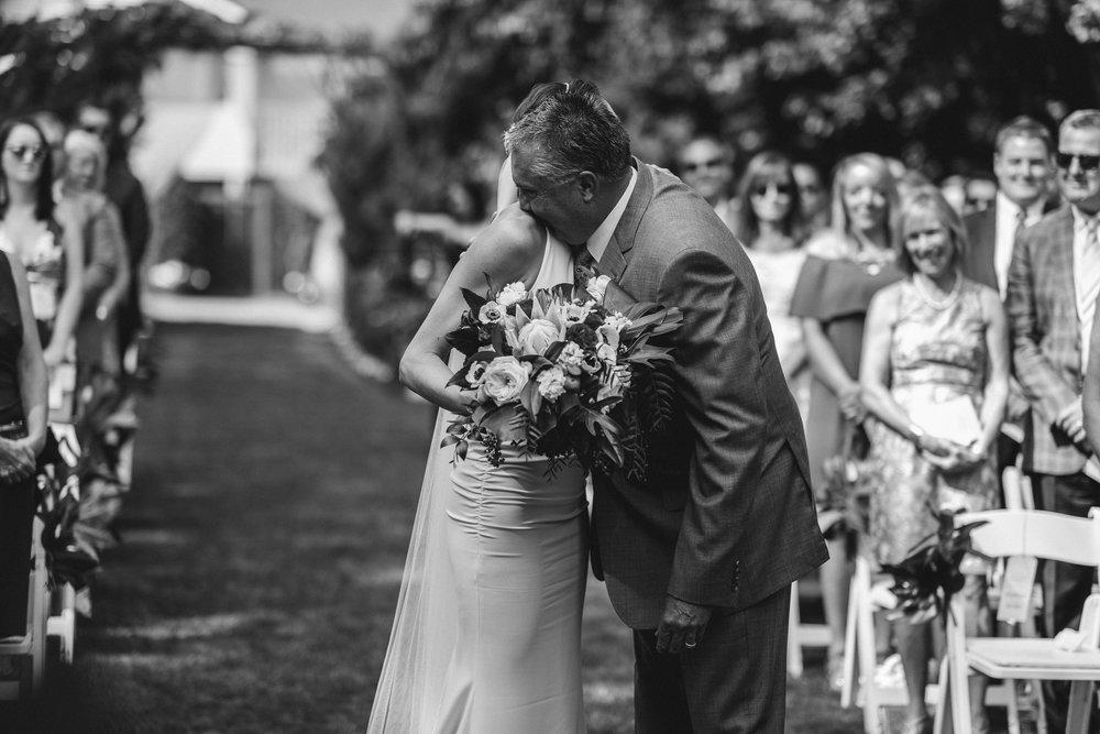 BEST_CHICAG_WEDDING_PHOTOGRAPHER_ZOE_RAIN_-53.jpg