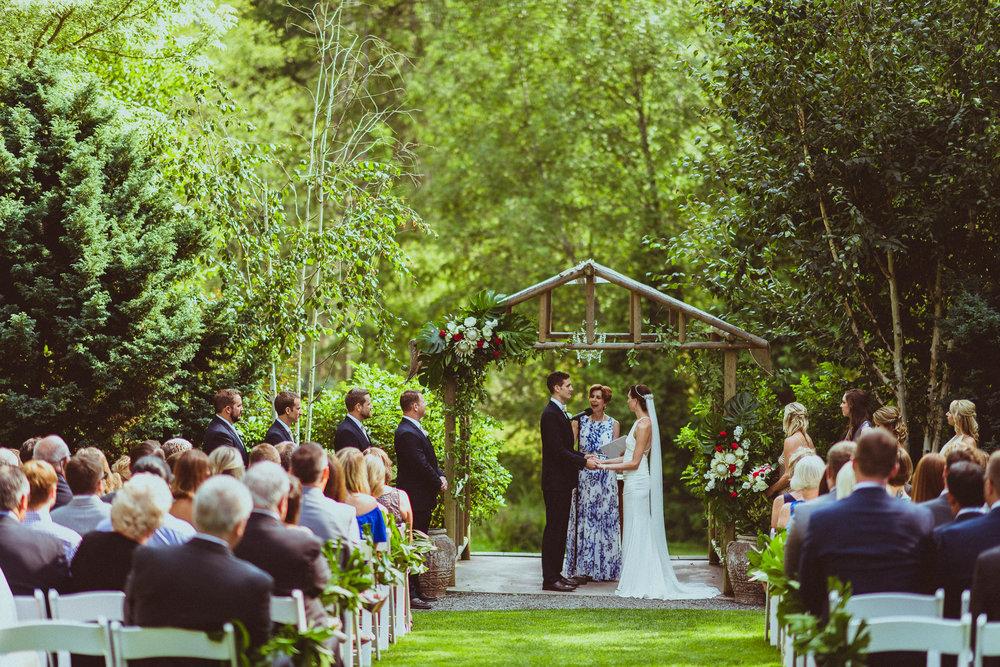 BEST_CHICAG_WEDDING_PHOTOGRAPHER_ZOE_RAIN_-54.jpg