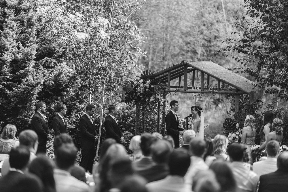 BEST_CHICAG_WEDDING_PHOTOGRAPHER_ZOE_RAIN_-57.jpg