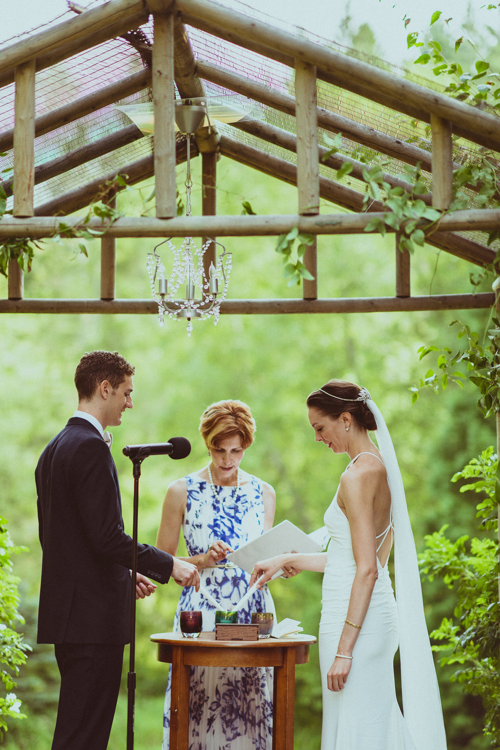 BEST_CHICAG_WEDDING_PHOTOGRAPHER_ZOE_RAIN_-60.jpg
