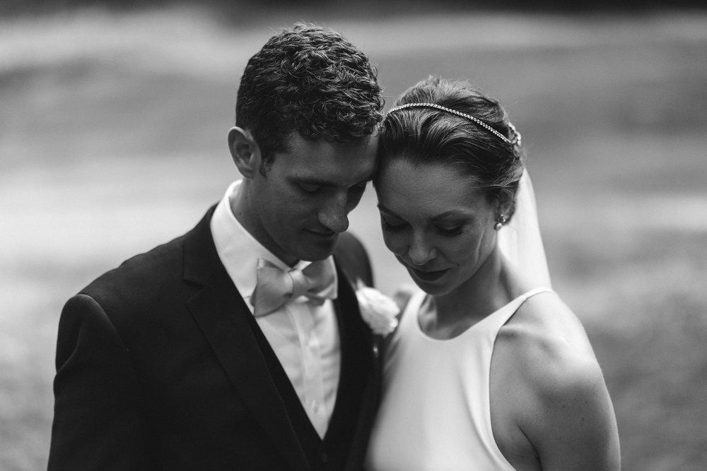 BEST_CHICAG_WEDDING_PHOTOGRAPHER_ZOE_RAIN_-72.jpg