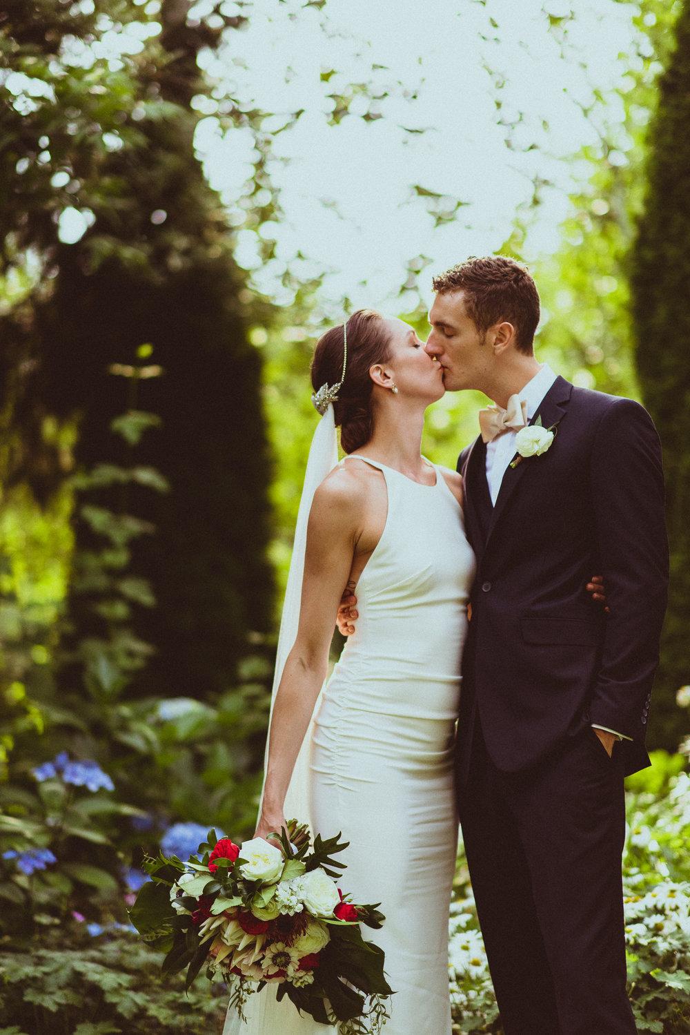 BEST_CHICAG_WEDDING_PHOTOGRAPHER_ZOE_RAIN_-71.jpg