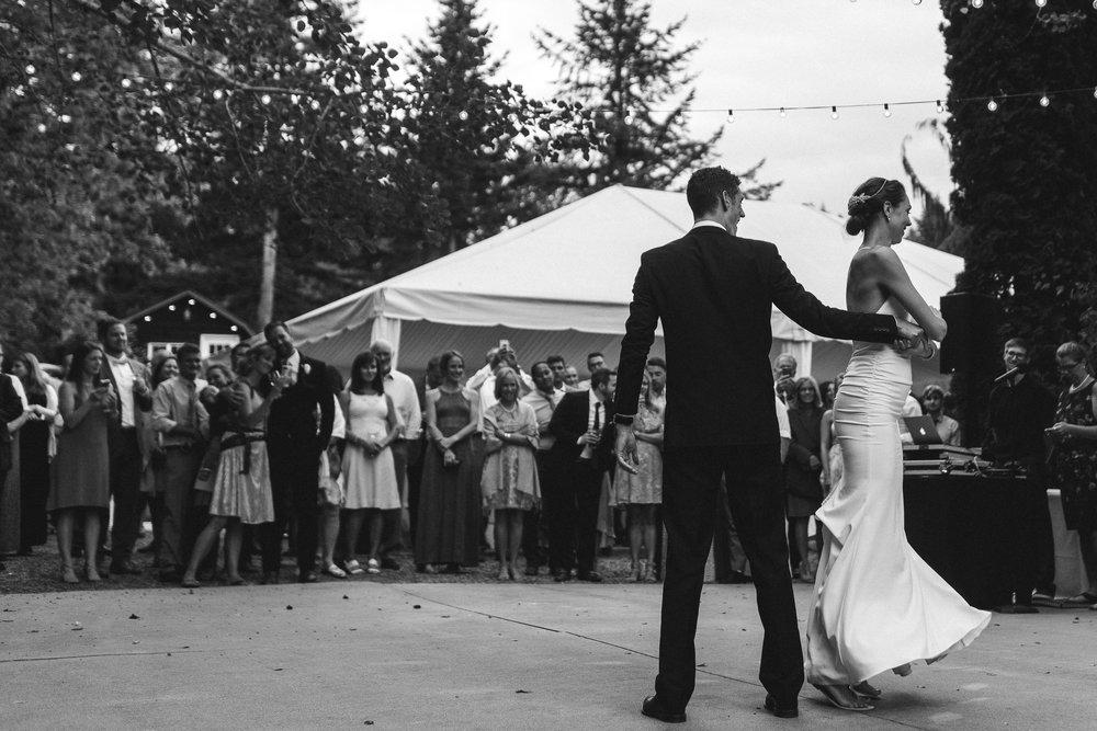 BEST_CHICAG_WEDDING_PHOTOGRAPHER_ZOE_RAIN_-107.jpg