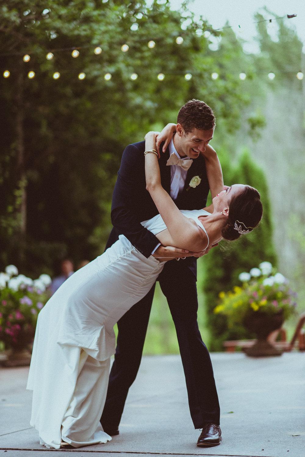 BEST_CHICAG_WEDDING_PHOTOGRAPHER_ZOE_RAIN_-108.jpg