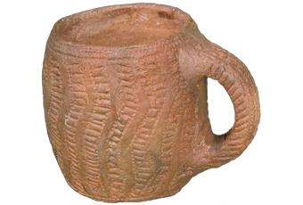 https://www.lincstothepast.com/Pictures/web/m/v/a/Bronze-Age-beaker.jpg