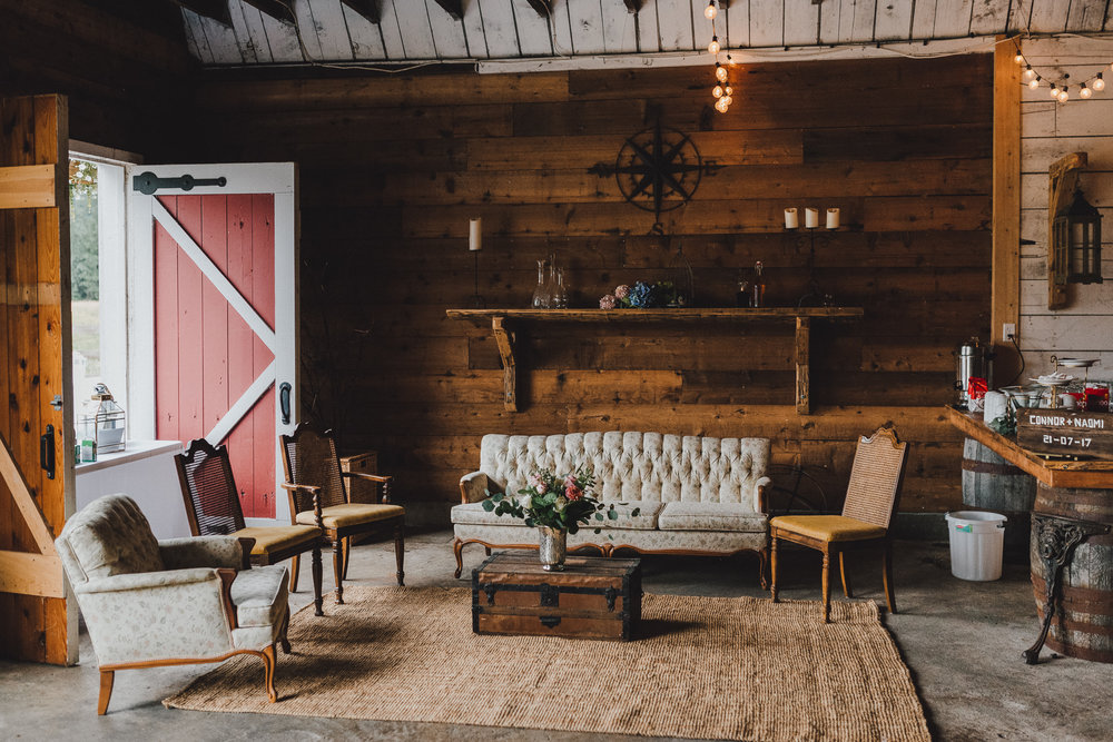 pemberton-riverlands-equestrian-red-barn-wedding (12 of 79).jpg