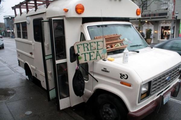 Free_tea_party_1-600x400.jpg