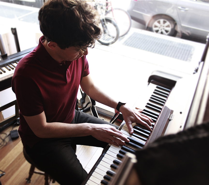 Pianist-Singer-Songwriter, Julian Velard