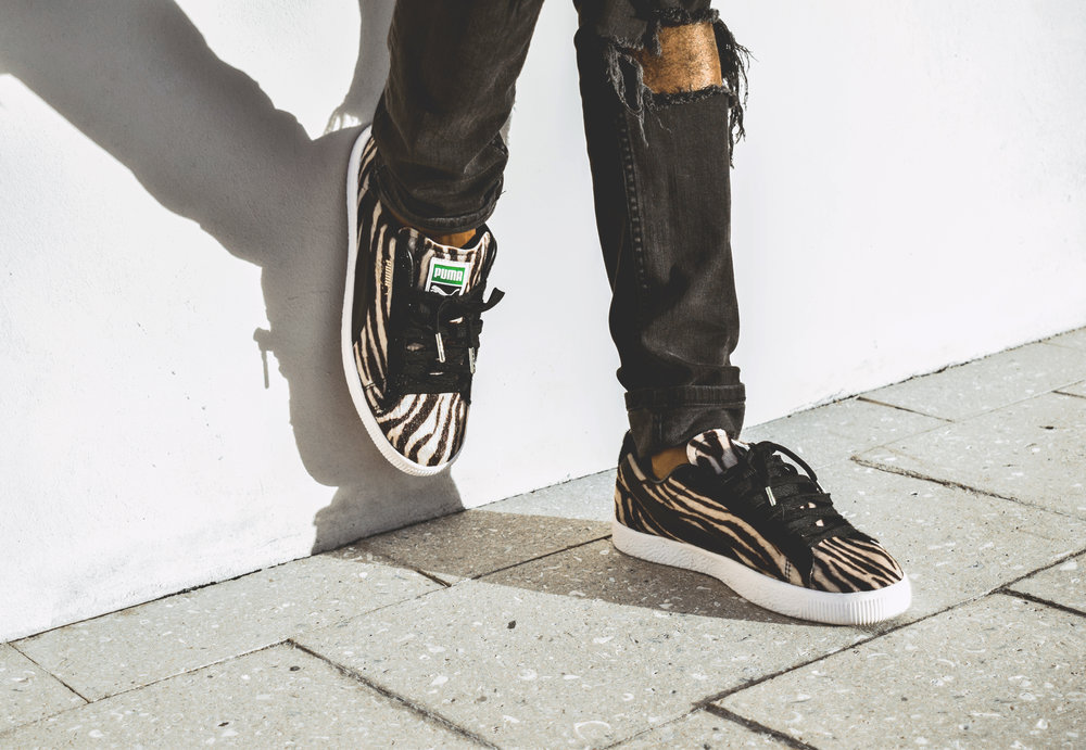 The Details - The shoe features zebra upper detailing, the iconic Puma form strip, and gold lace tips for a luxe finish.