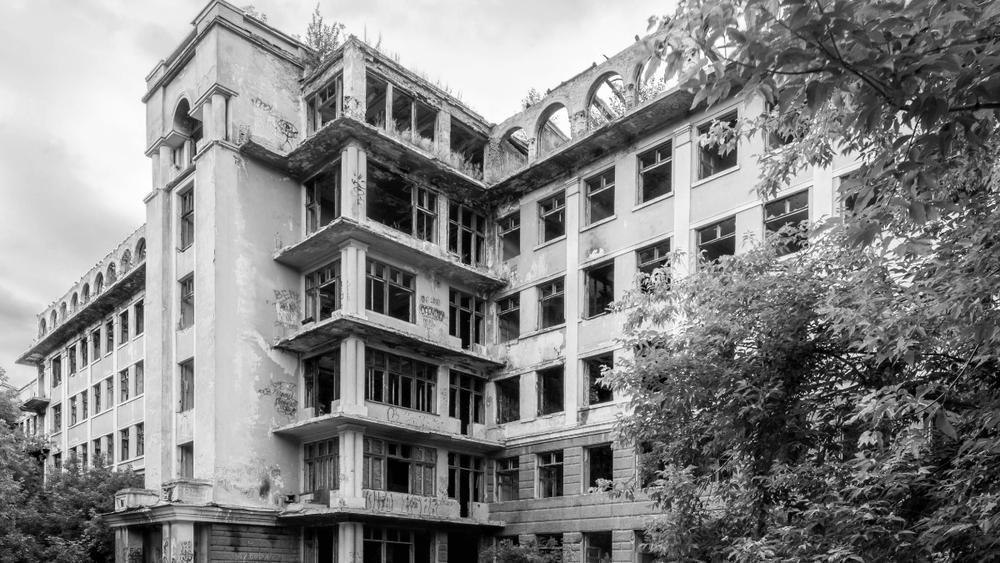 abandoned_hospital_02 (2).jpg