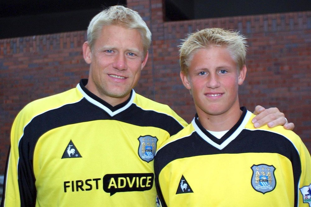 Peter Schmeichel and son, Kasper Schmeichel, a few years before winning the Premier League with Leicester City FC.
