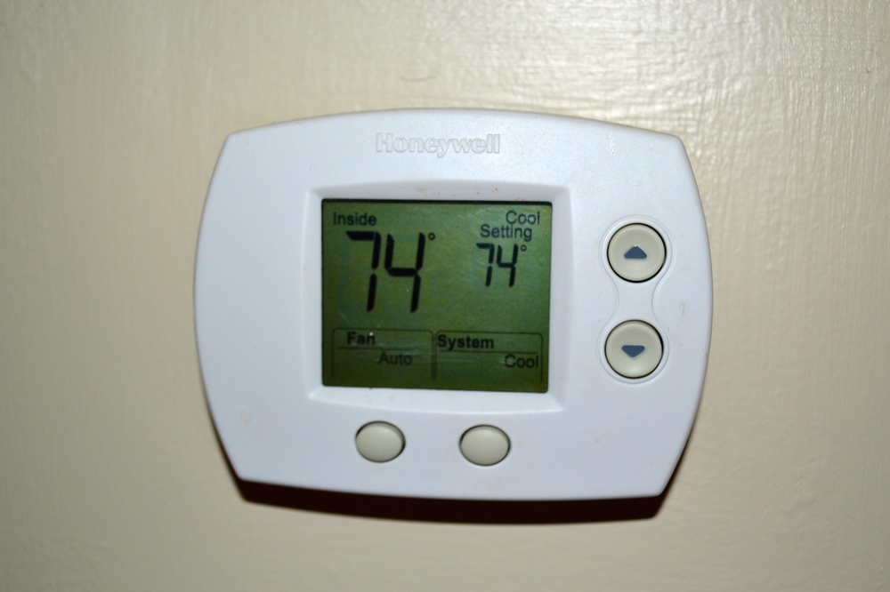 Thermostat-Heat Pump.JPG