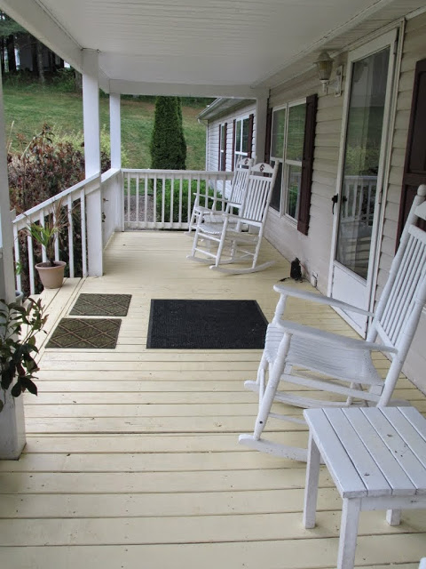 Front Porch-2.jpg